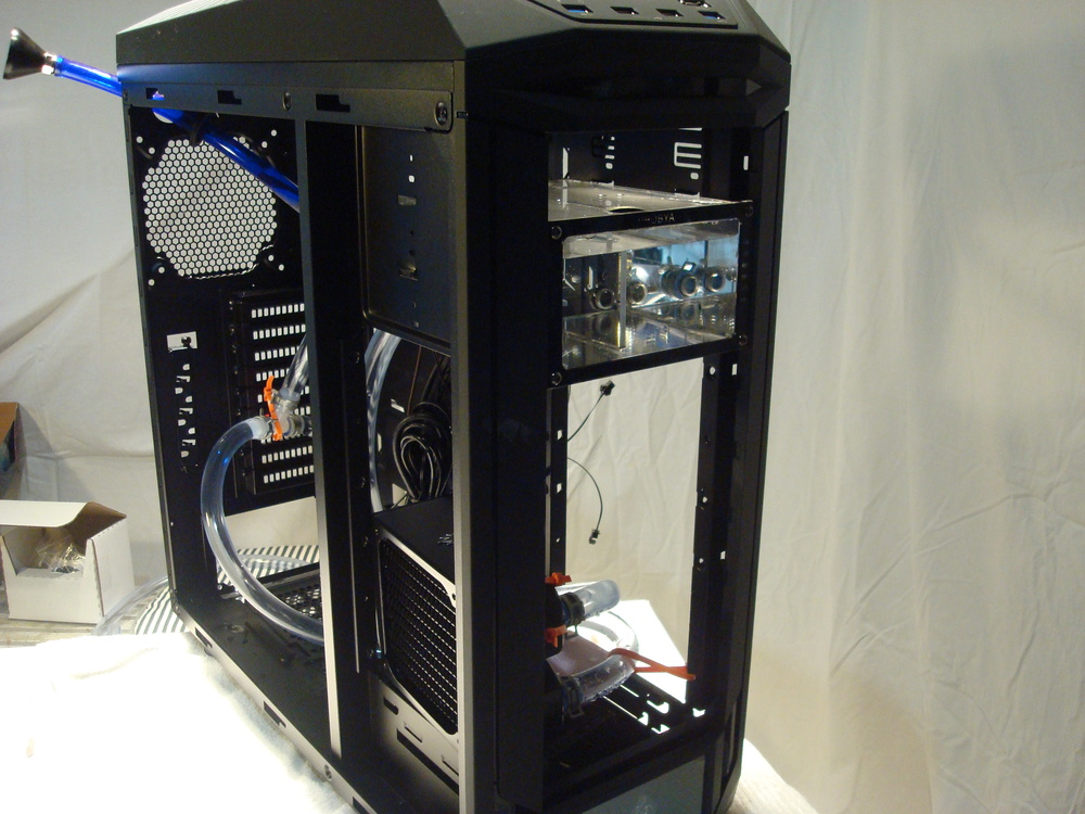 PC water Cooling Reservoir mounted in the case.