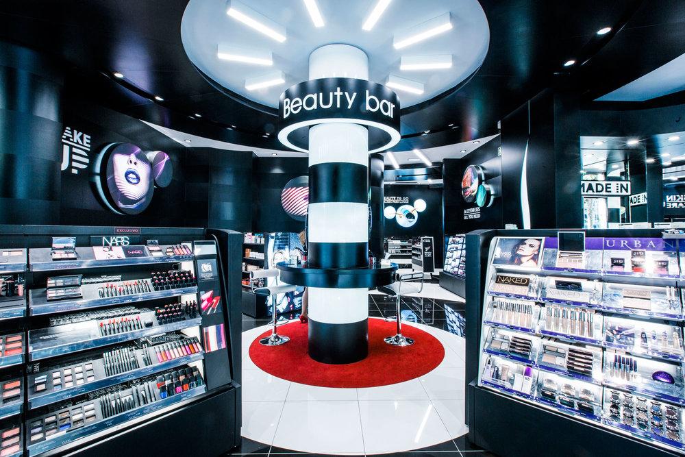 retail tienda comesticos y perfumes
