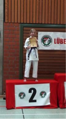 Alina Bartl (2. Platz in Kata Einzel ab 5. Kyu)