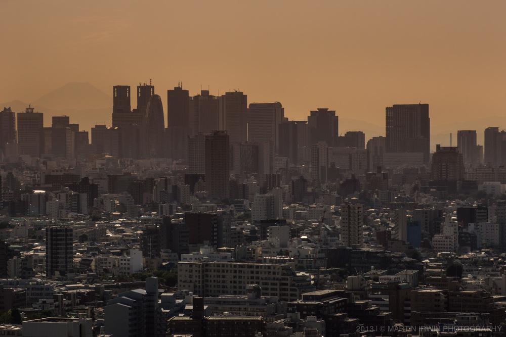 Tokyo Downtown | NEX-7 & Tamron SP 90mm F2.8 Macro | 1/800s ISO100 f/11 90mm