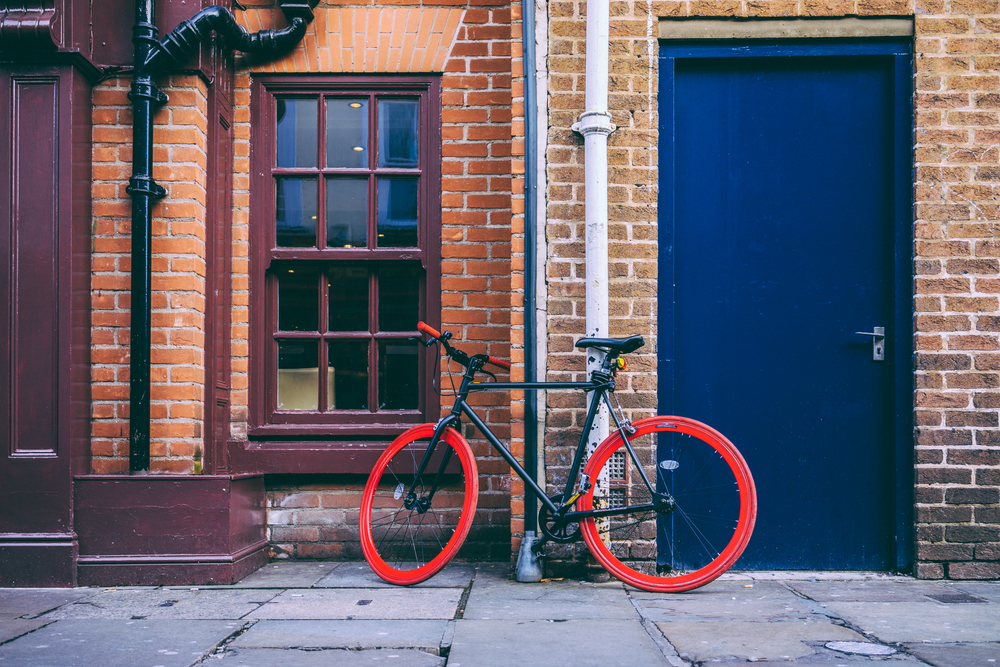 Bicycle in York—it wasn't raining | A7R and one of my favourite lenses | 1/60s f/4.0 ISO125 35mm