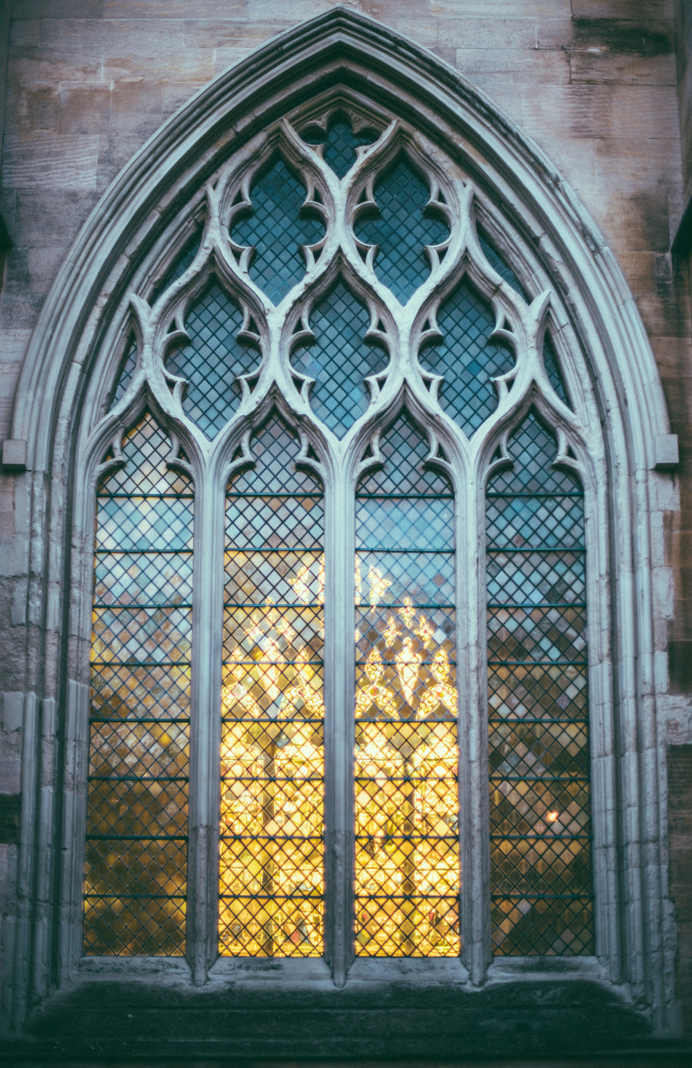 Stained Glass | A7R & Canon nFD 50/1.4 | 1/800s ISO100 50mm F1.4