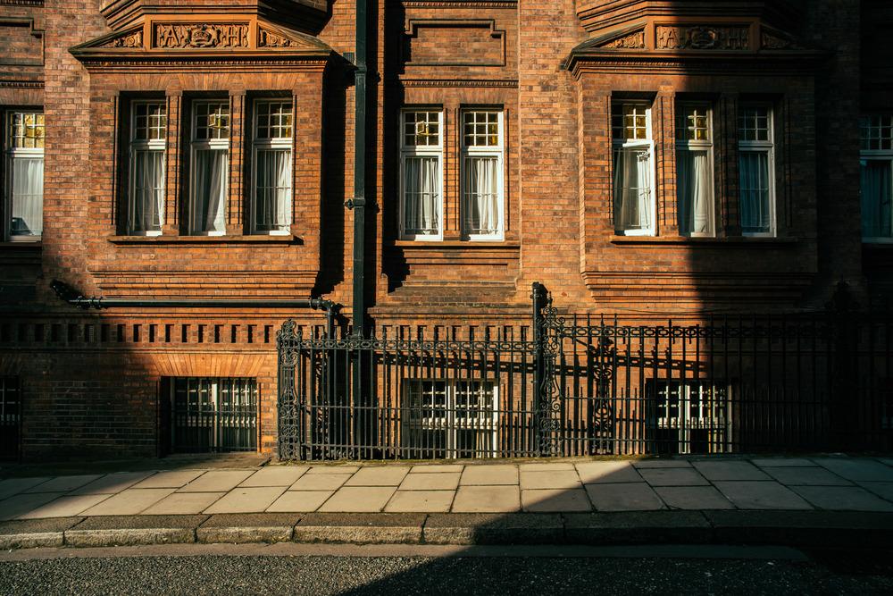 Timeless Street | A7R & Voigtländer Color Skopar SLII 20mm F3.5 |   1/125s f/8.0 ISO100 20mm
