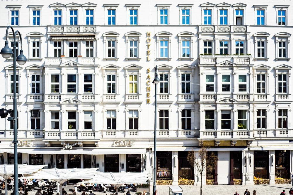 Café | A7R & Carl Zeiss Ultron 50/1,8|1/3200s ISO100 50mm