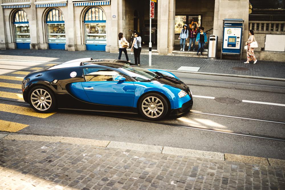 Bugatti | RX1 |1/500s f/2.0 ISO100 35mm