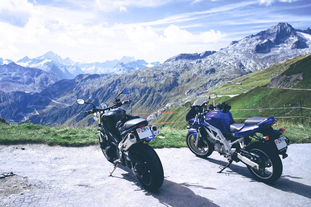 Triumph Speed Triple and Suzuki SV650 at Furka Pass