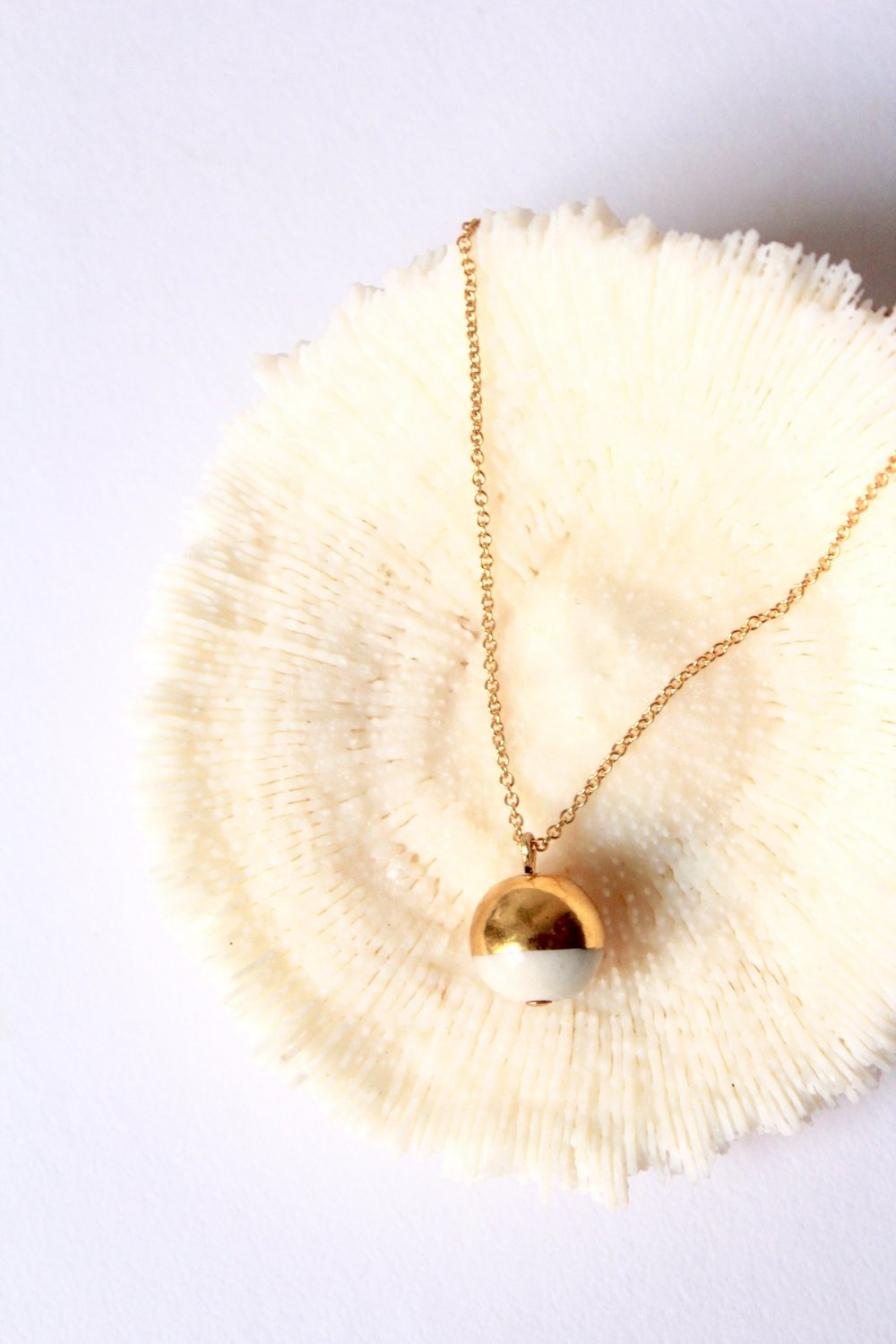 Gold Dipped Pearl White Necklace