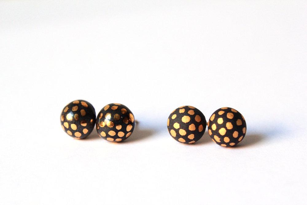 Ladybug Studs Black (Glaze/Matte)