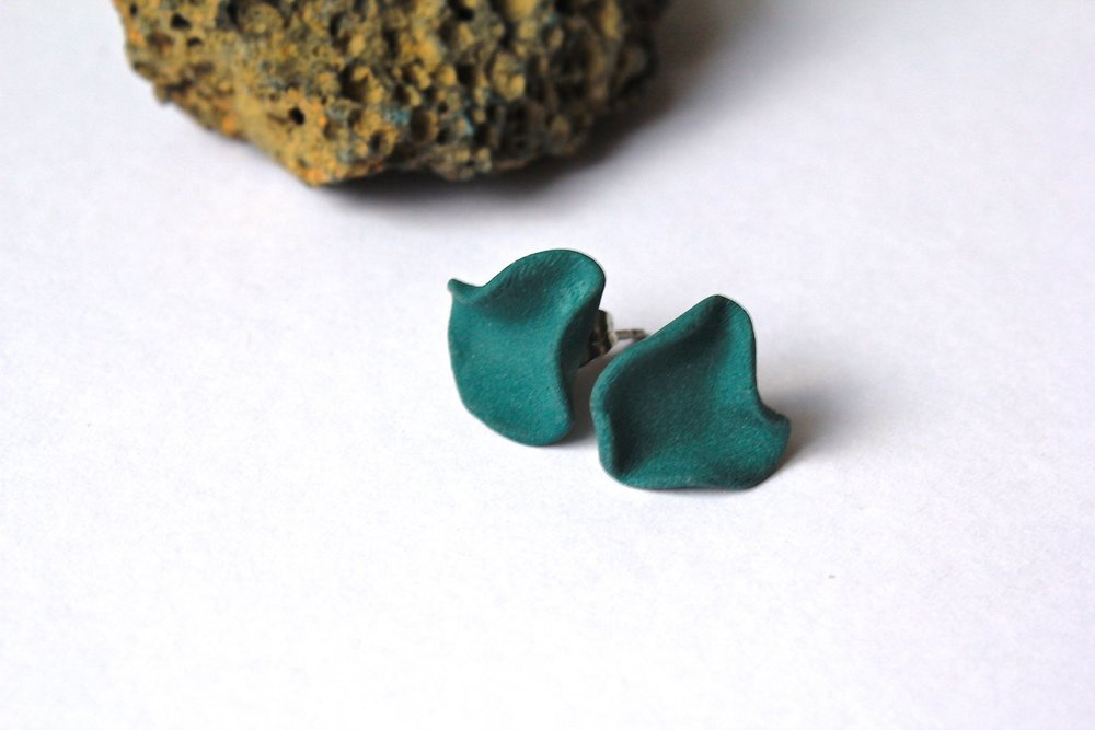 Reef Studs in Teal