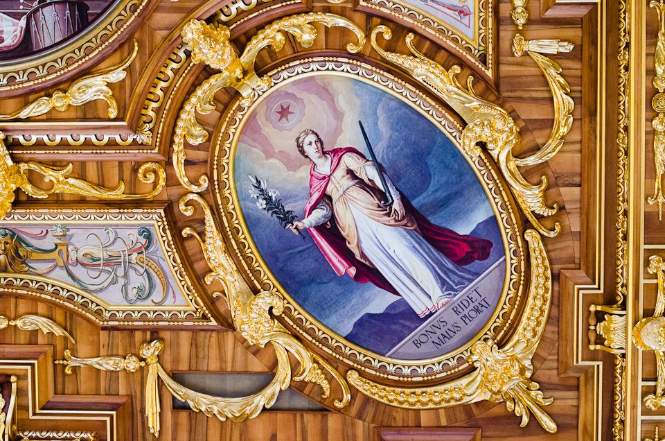 Augsburg Goldener Saal ceiling bonus ridet malus plorat