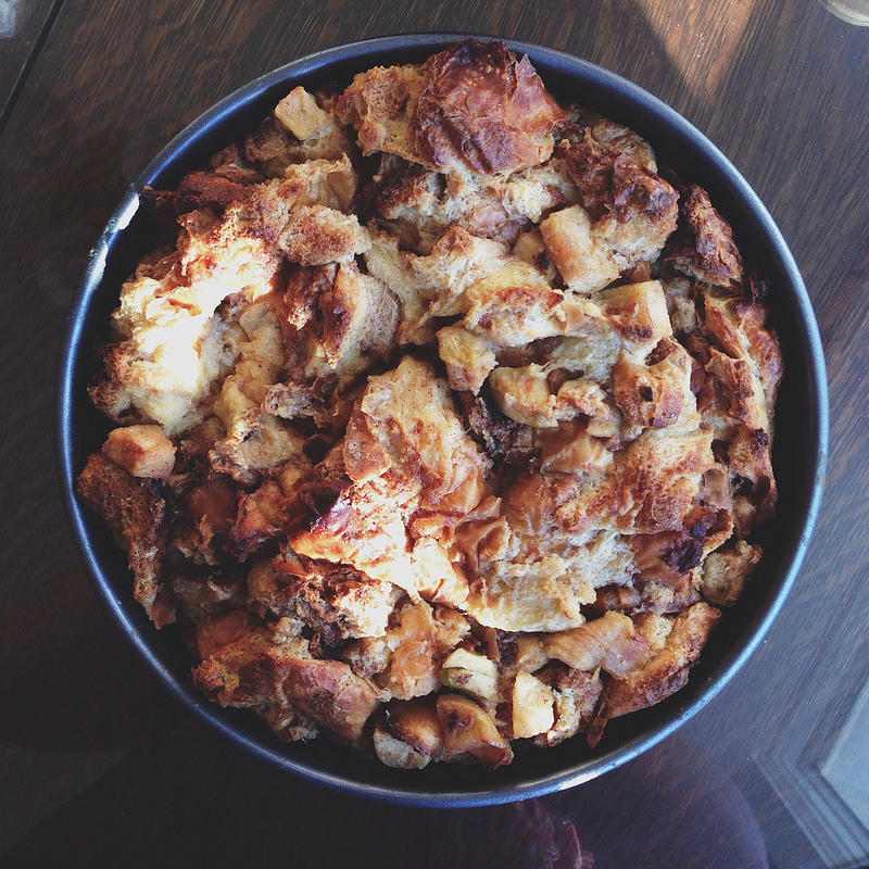 dinner roll bread pudding