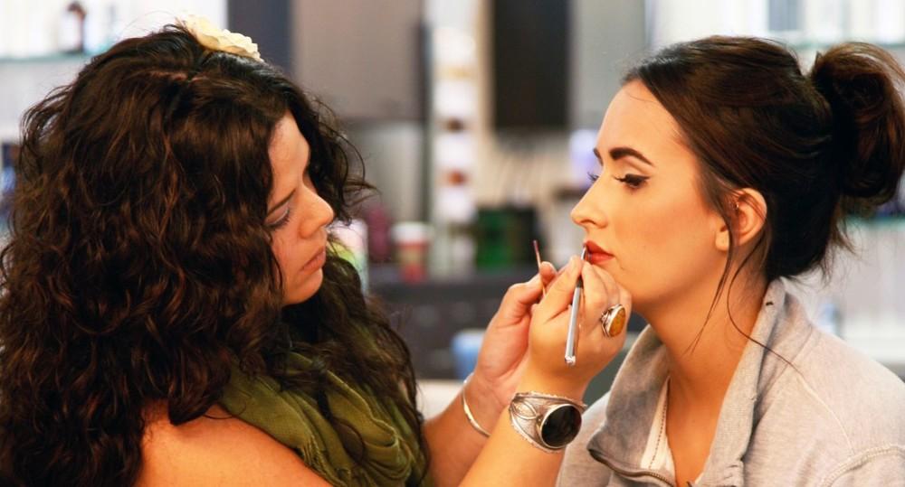 makeup-1024x552.jpg