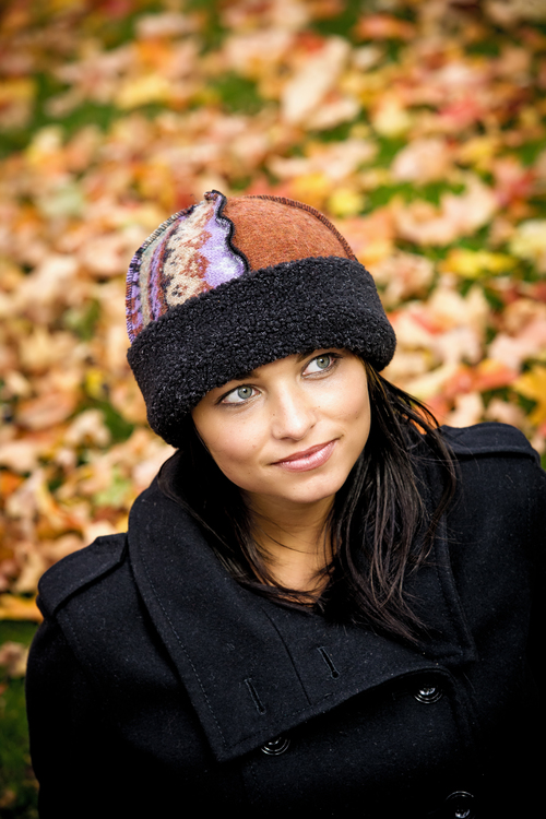 Women's Seamed Hat in Jewel