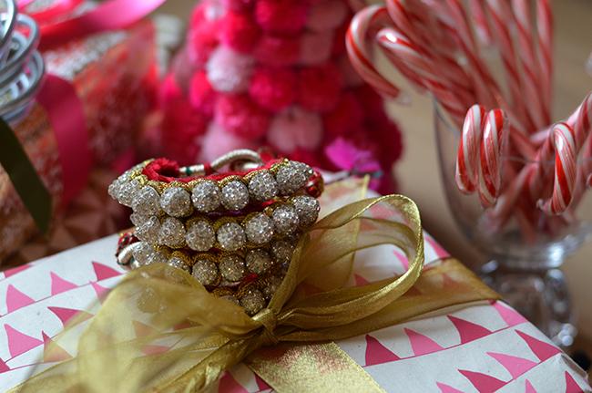 BuDhaGirl, Friendship bracelets, Holiday