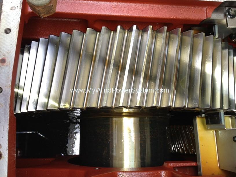 Vestas-V27-225kw-wind-turbine-inside-gearbox.jpg