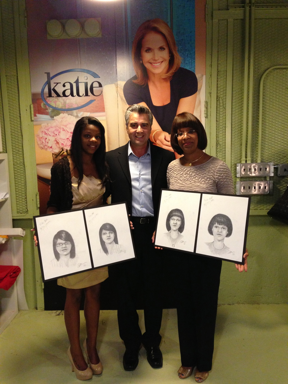 I had a great opportunity to be on the Katie Couric show and conduct my Perspective Sketches with a mother and her daughter for a special Mother's Day week show.