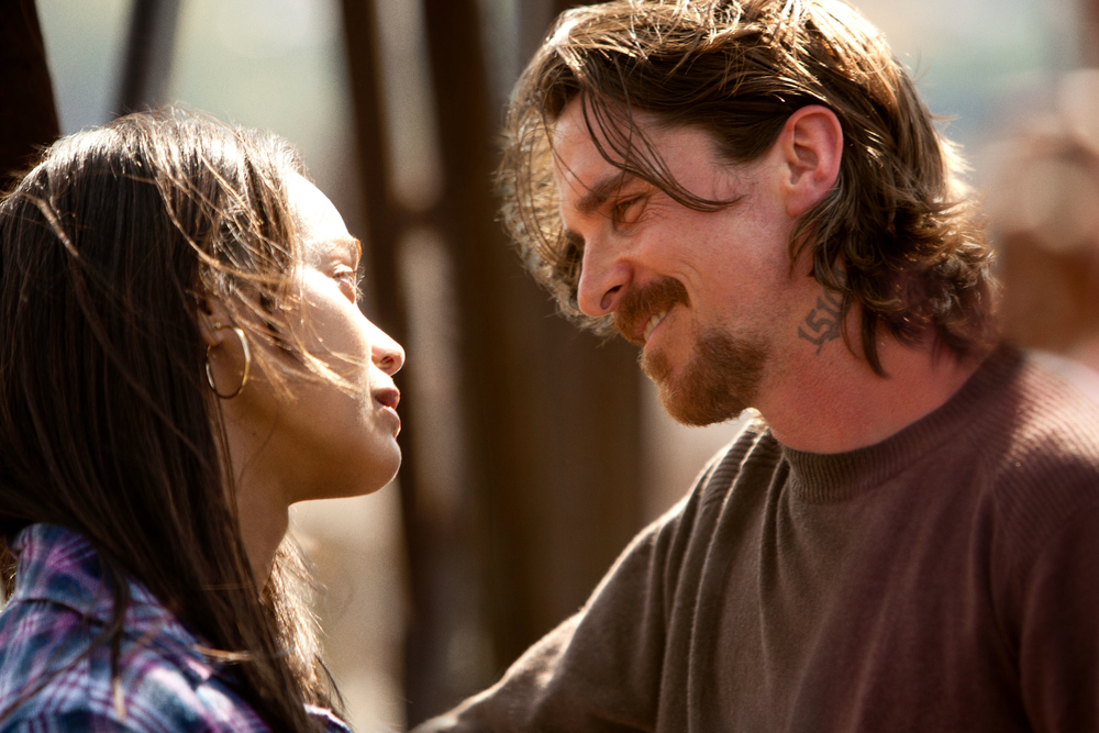 out-of-the-furnace-christian-bale-zoe-saldana.jpg