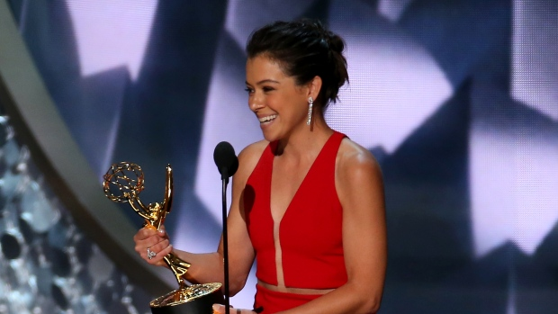 Tatiana Maslany finally wins for playing more than 11 characters on 'Orphan Black'