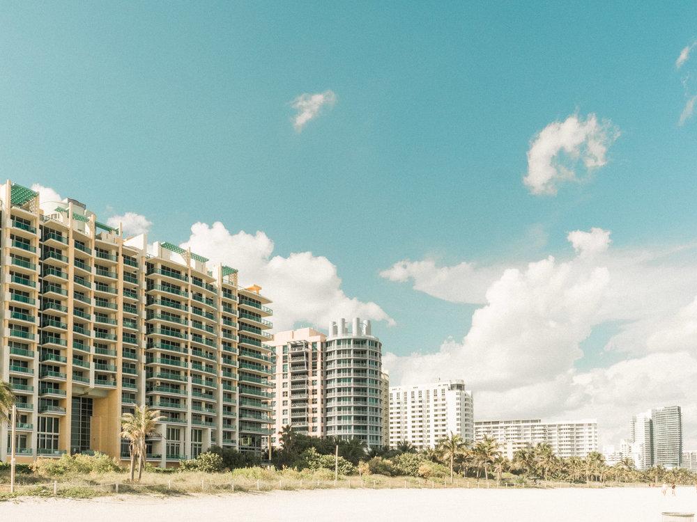 Miami_Beach_Street_6.jpg