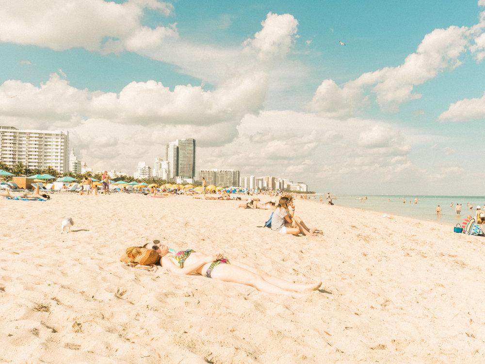 Miami_Beach_Street_10.jpg