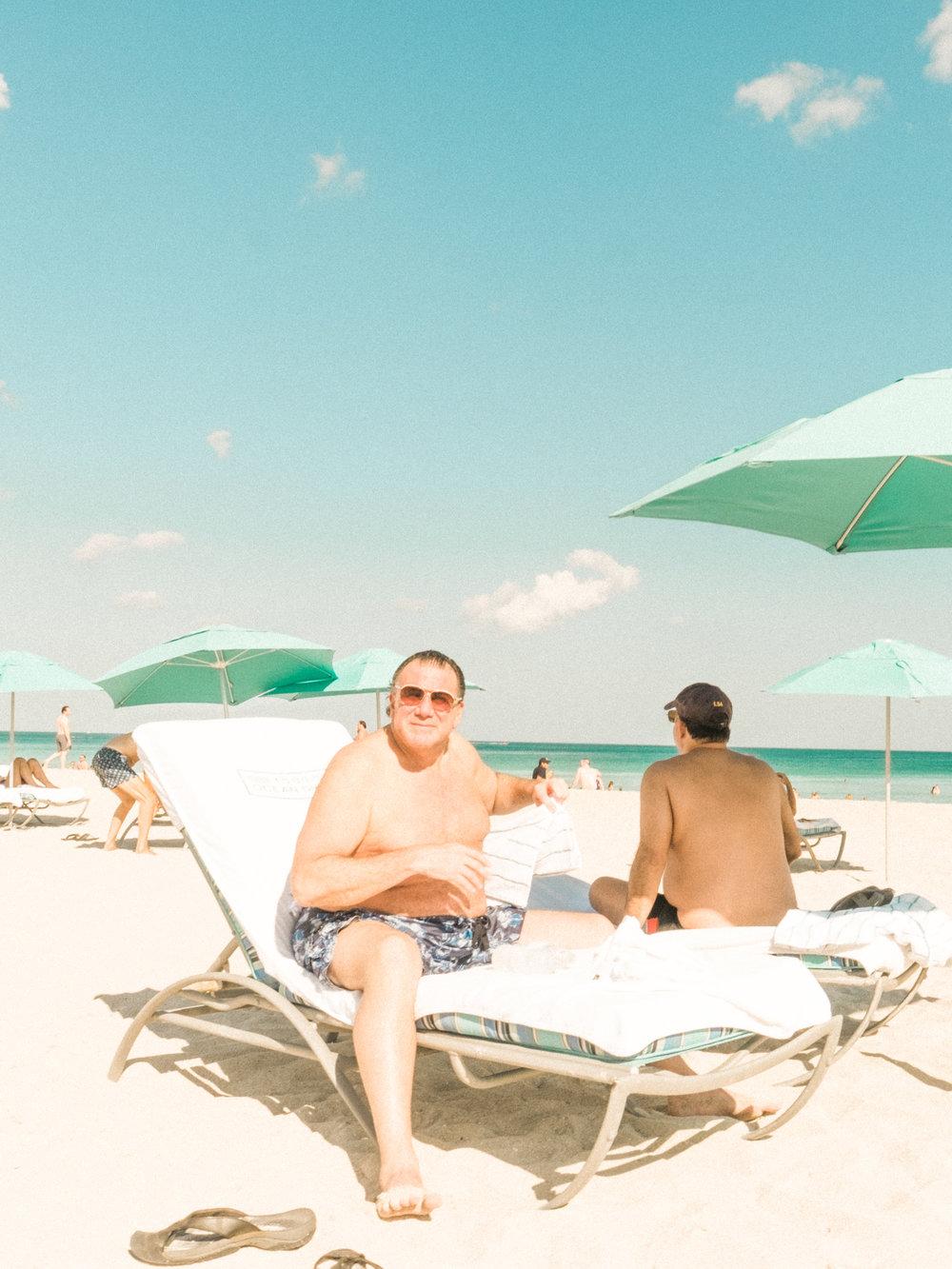 Miami_Beach_Street_16.jpg