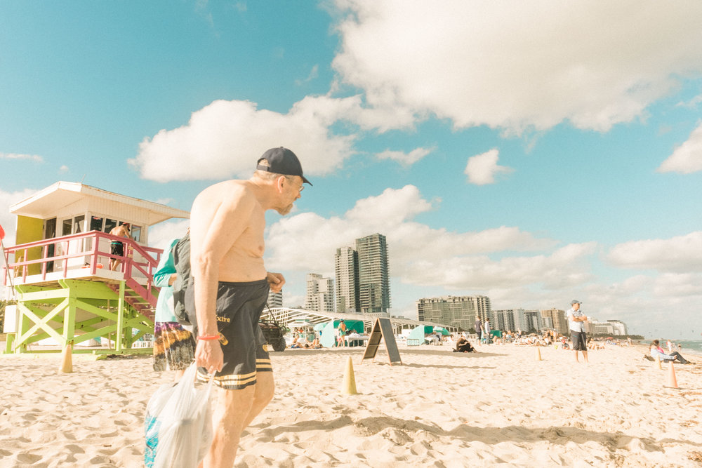 Miami_Beach_Street_32.jpg