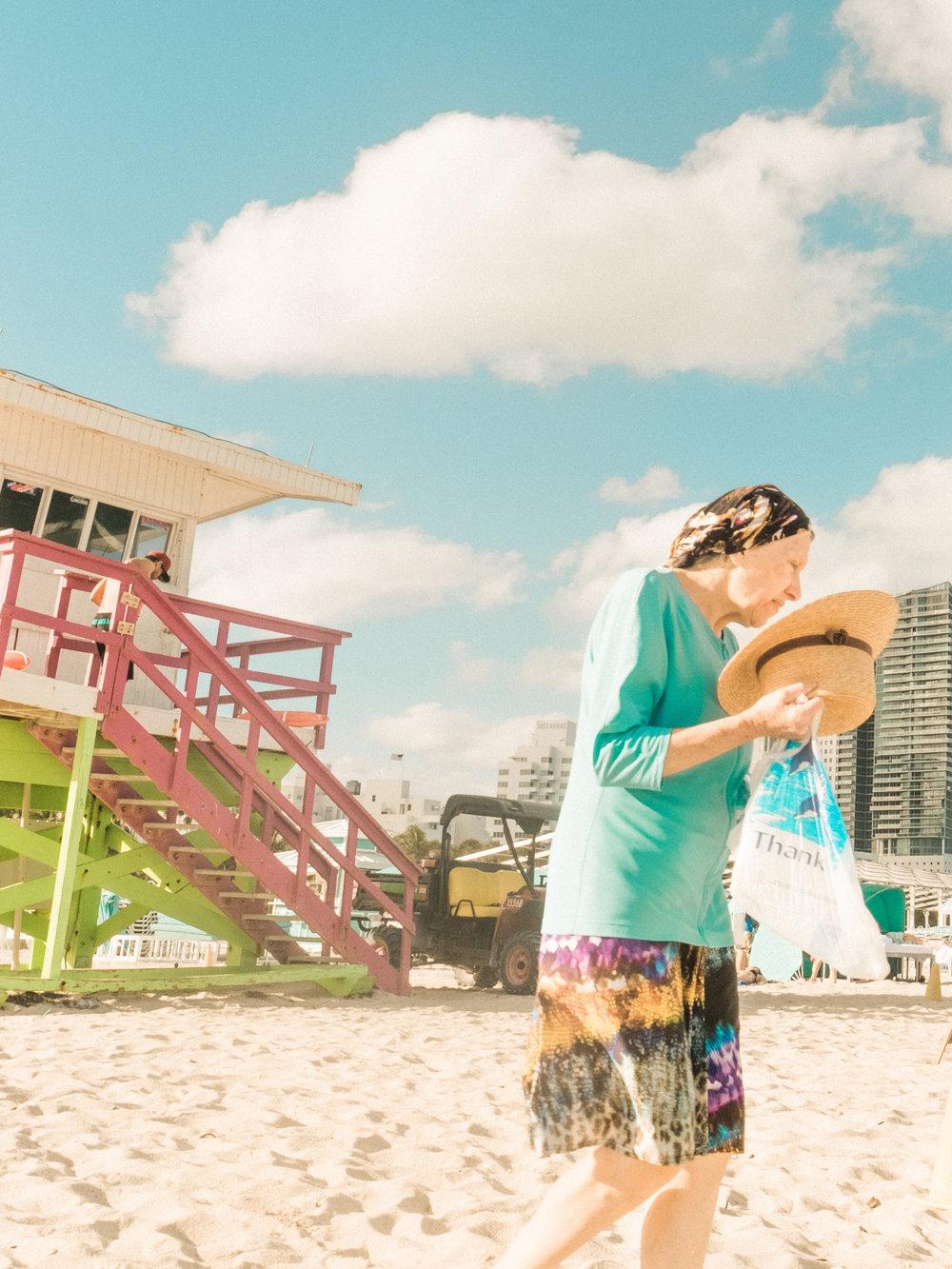 Miami_Beach_Street_35.jpg