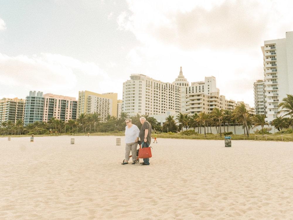 Miami_Beach_Street_38.jpg