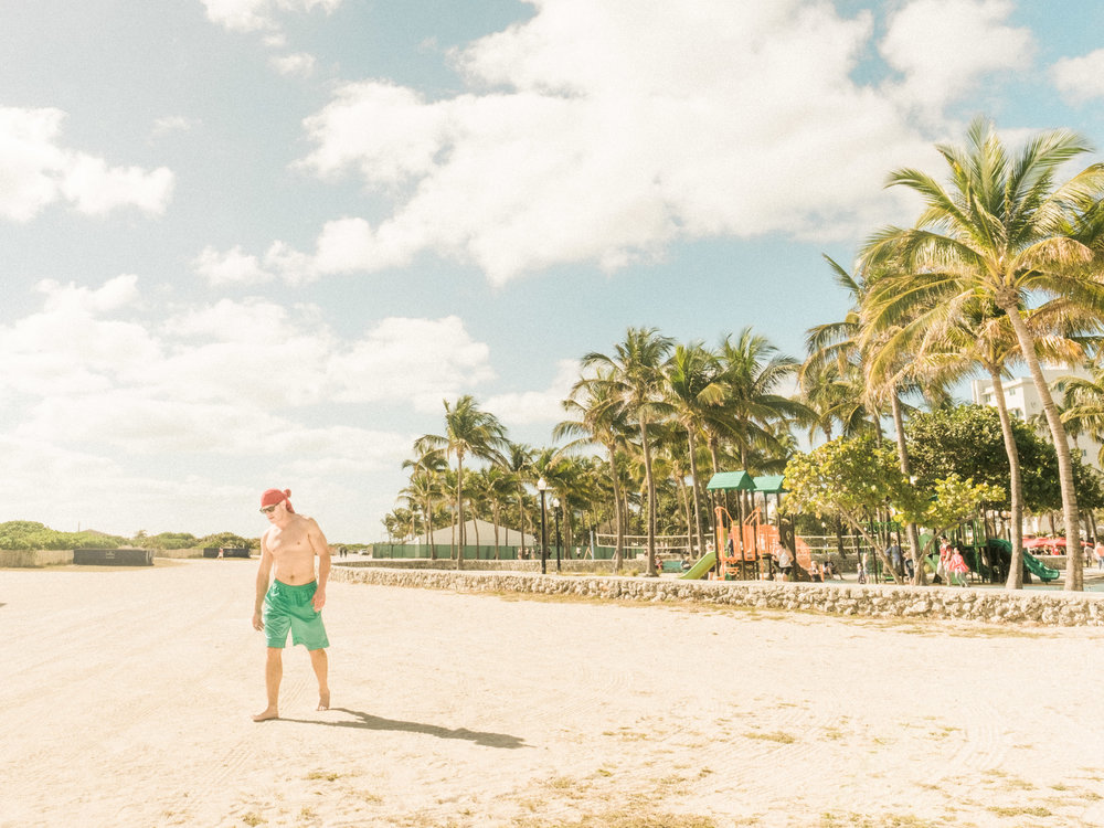 Miami_Beach_Street_45.jpg