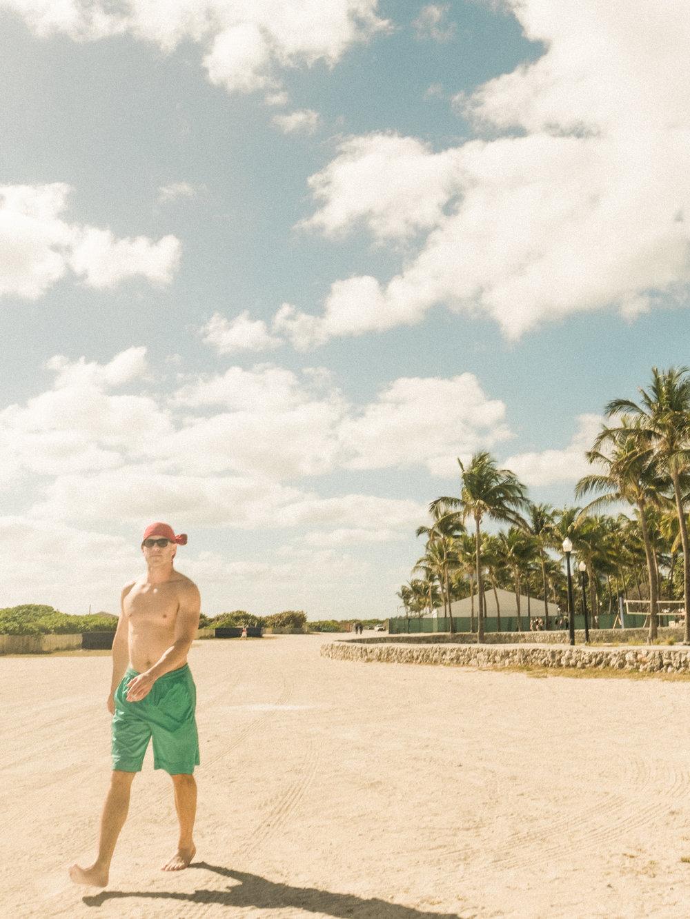 Miami_Beach_Street_46.jpg