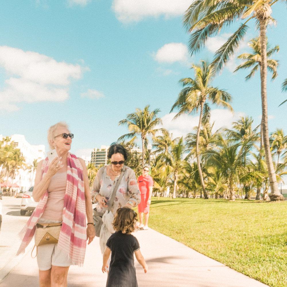 Miami_Beach_Street_48.jpg