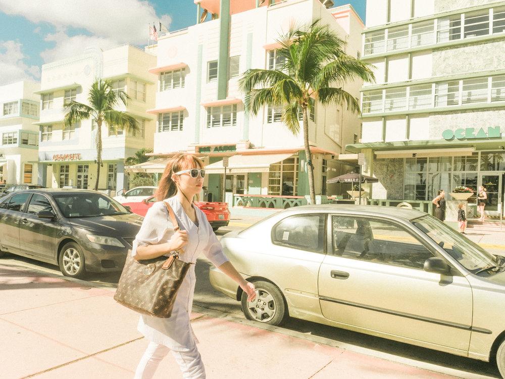 Miami_Beach_Street_52.jpg