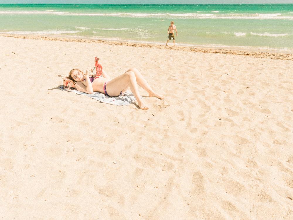 Miami_Beach_Street_58.jpg