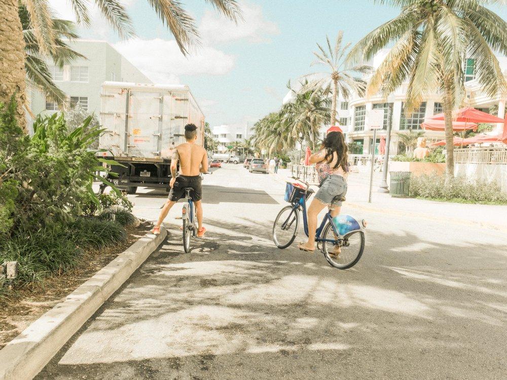 Miami_Beach_Street_64.jpg