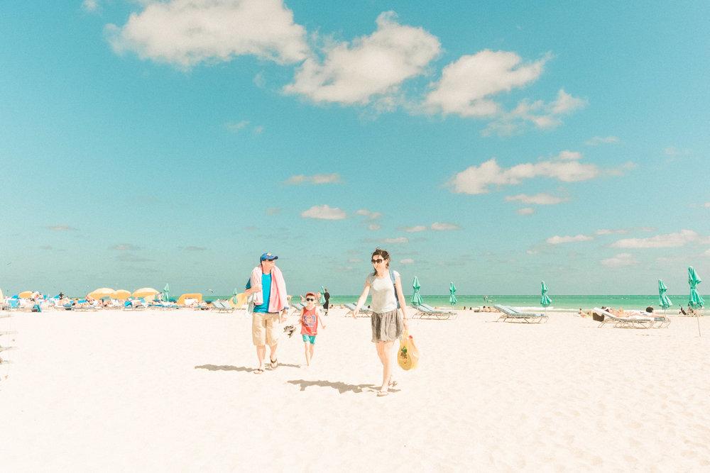 Miami_Beach_Street_65.jpg
