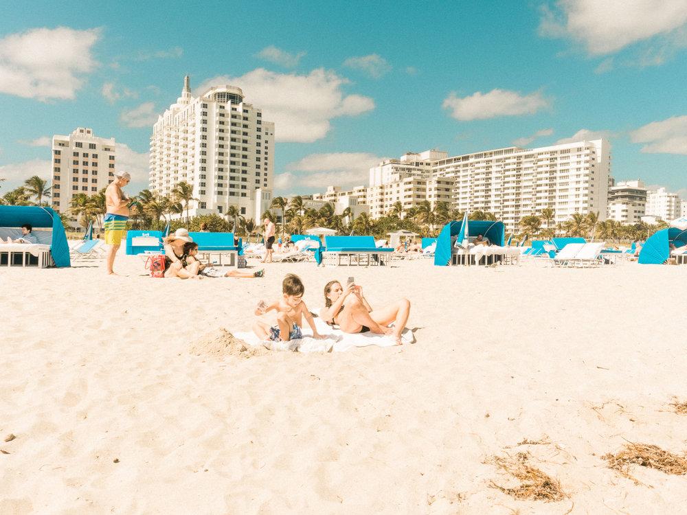 Miami_Beach_Street_71.jpg