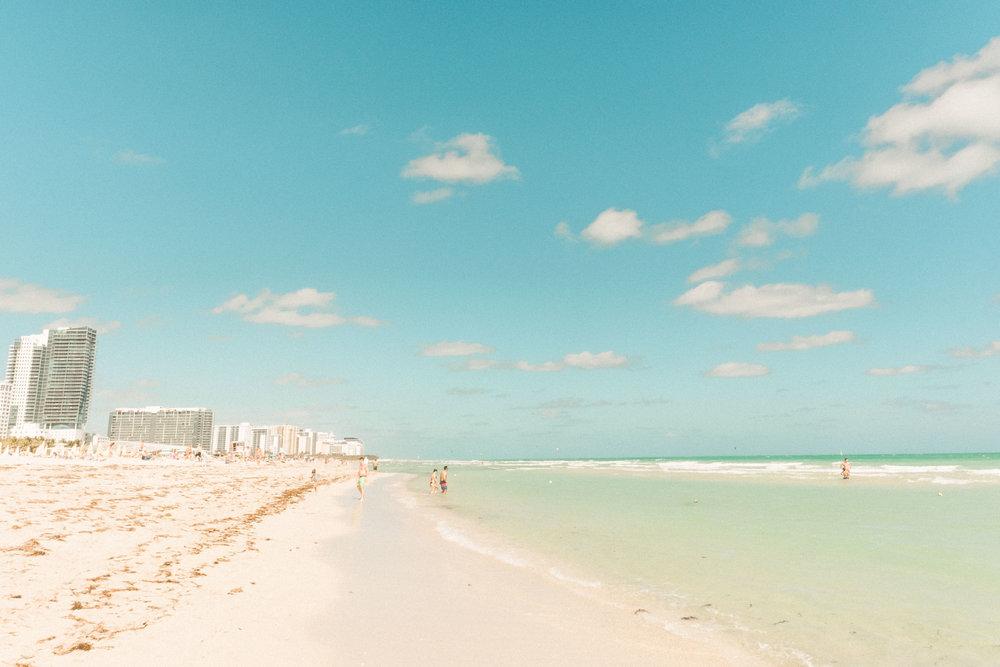 Miami_Beach_Street_73.jpg