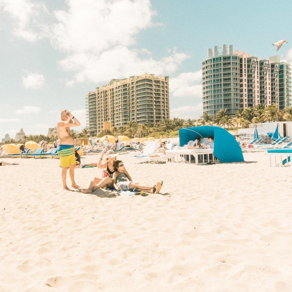 Miami_Beach_Street_74.jpg