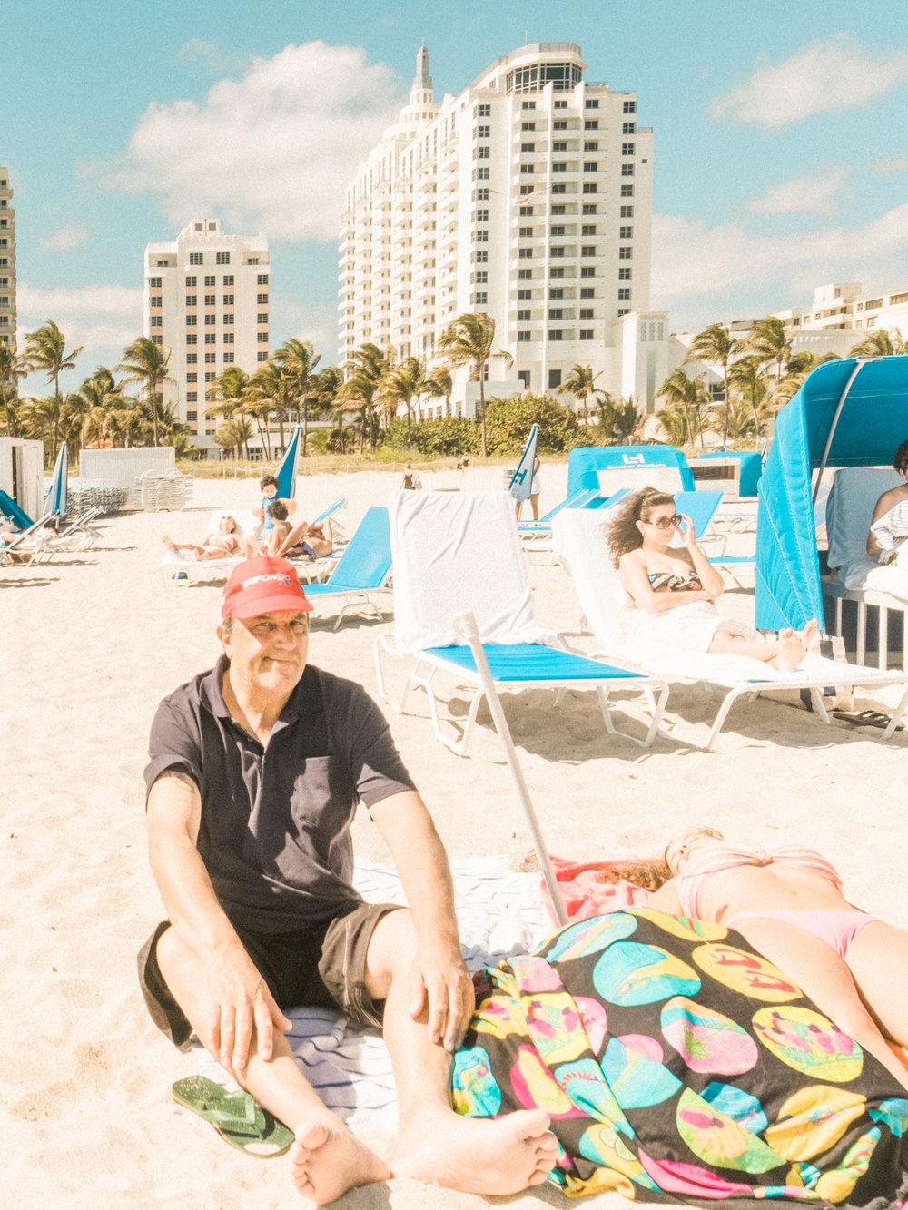 Miami_Beach_Street_76.jpg