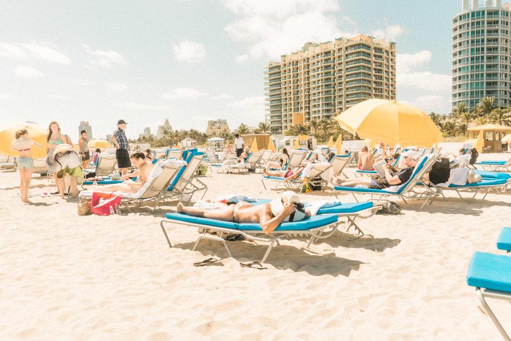 Miami_Beach_Street_77.jpg