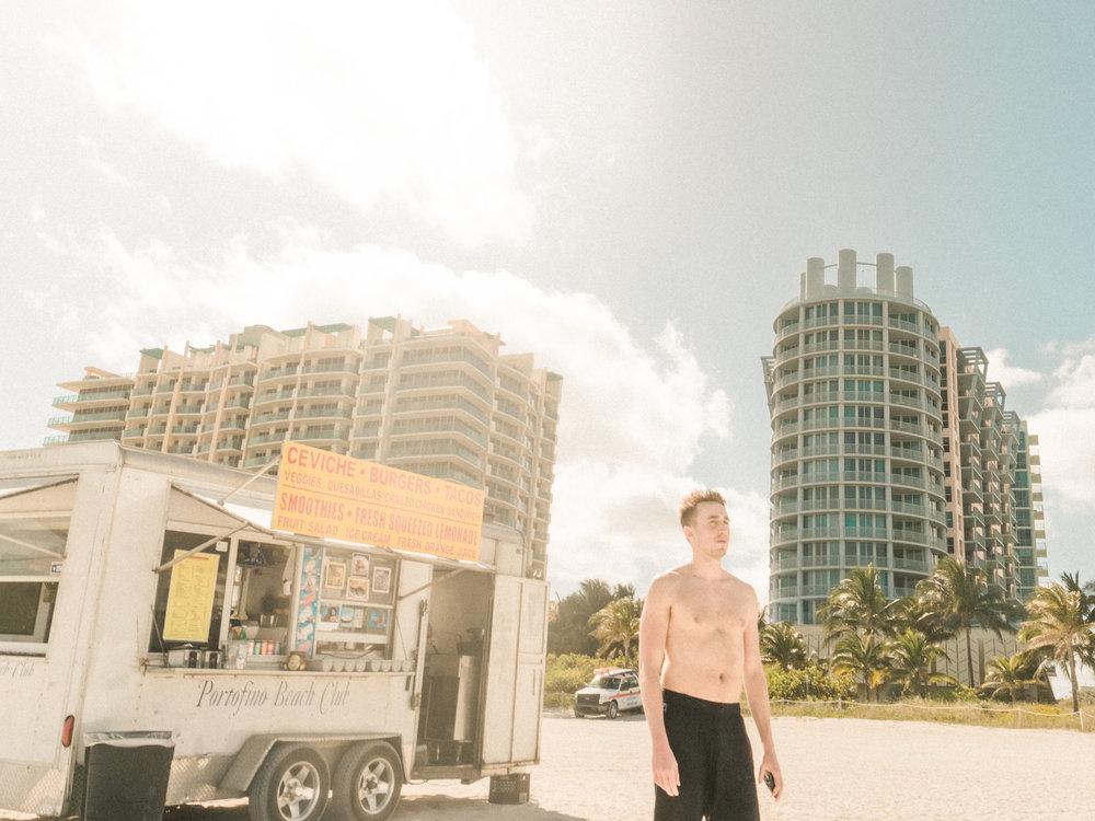 Miami_Beach_Street_78.jpg