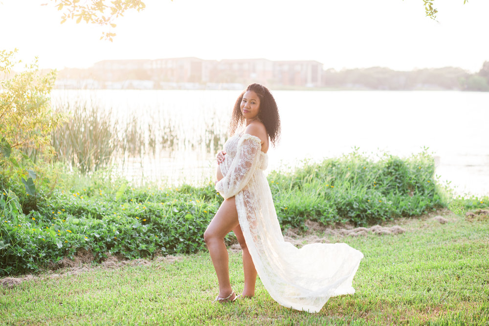 lace gown maternity session, sew trendy