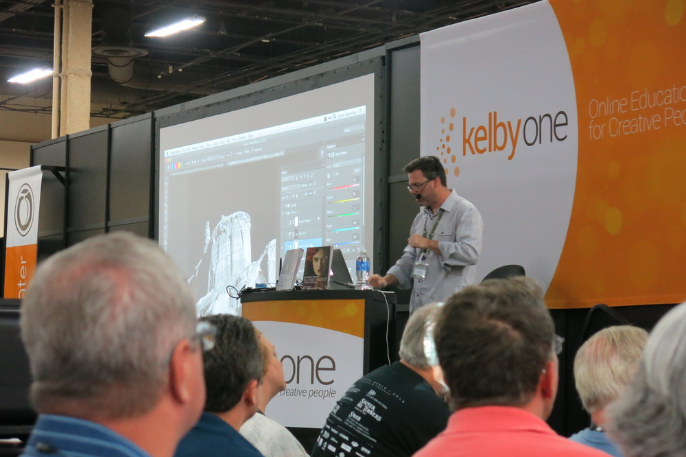 Scott Valentine presents at the Peachpit booth on the Expo floor.
