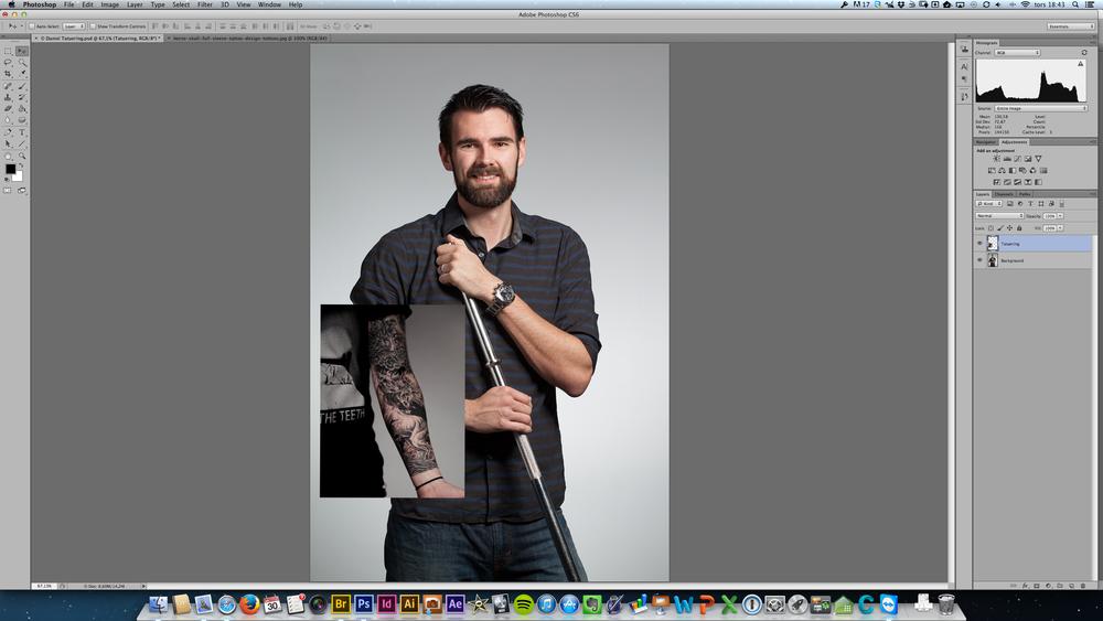 fig 1. Lagret med tatueringen överst, och bakgrundslagret med fotografiet på mig