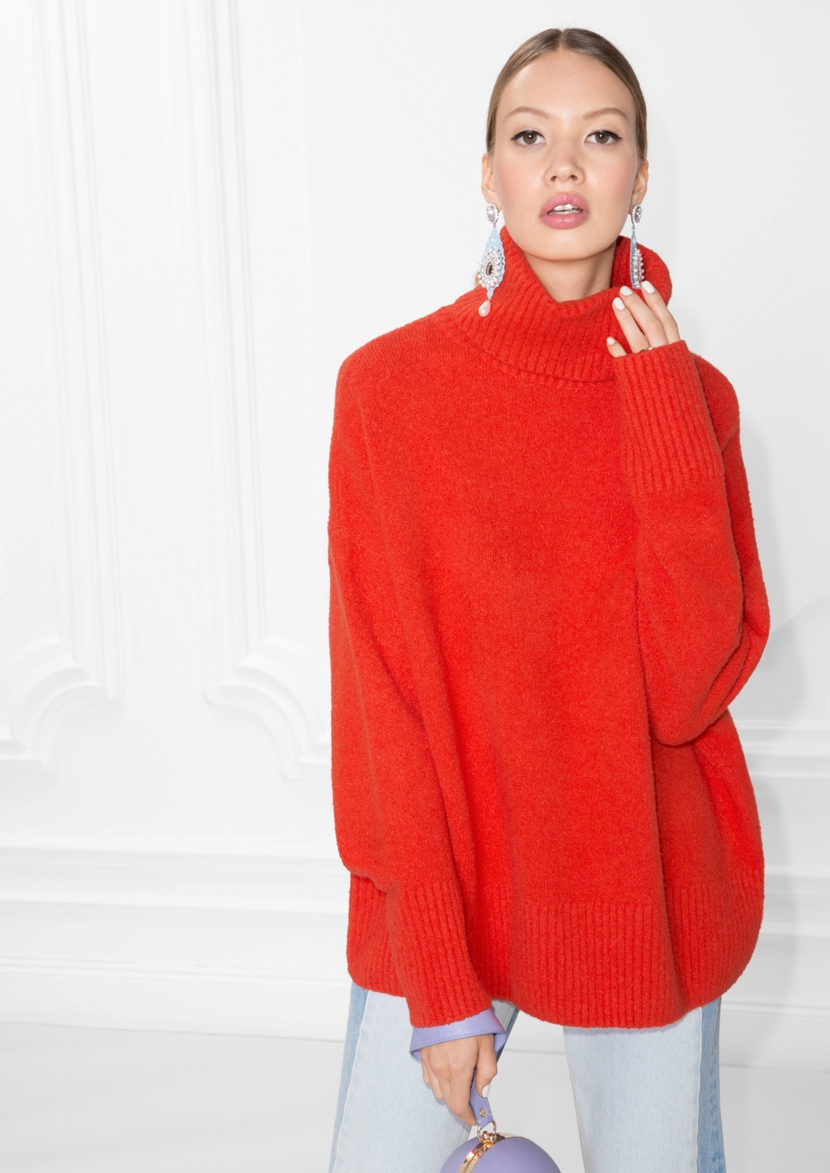 HIgh Neck Sweater - €59