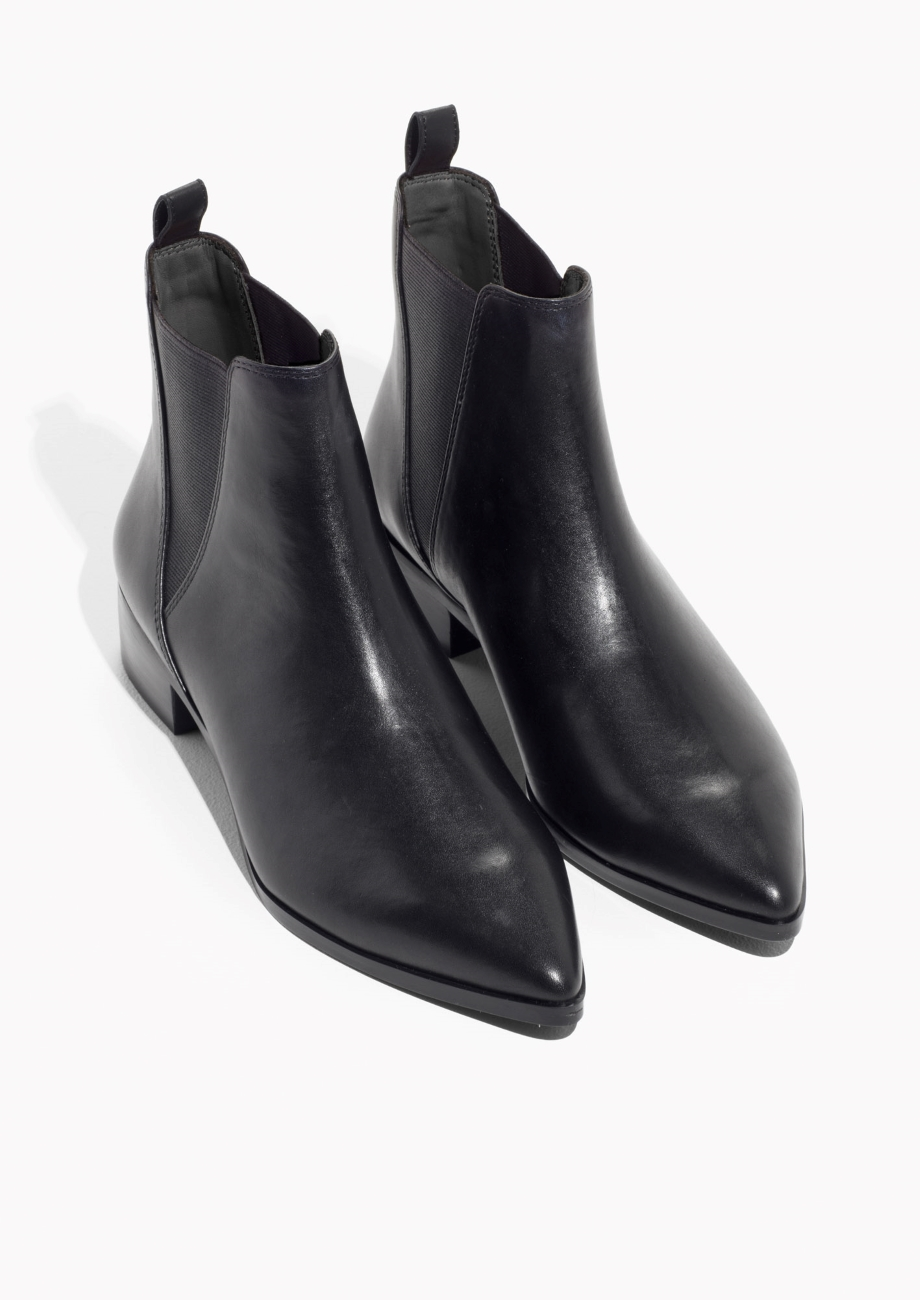 Leather Chelsea Boots €125