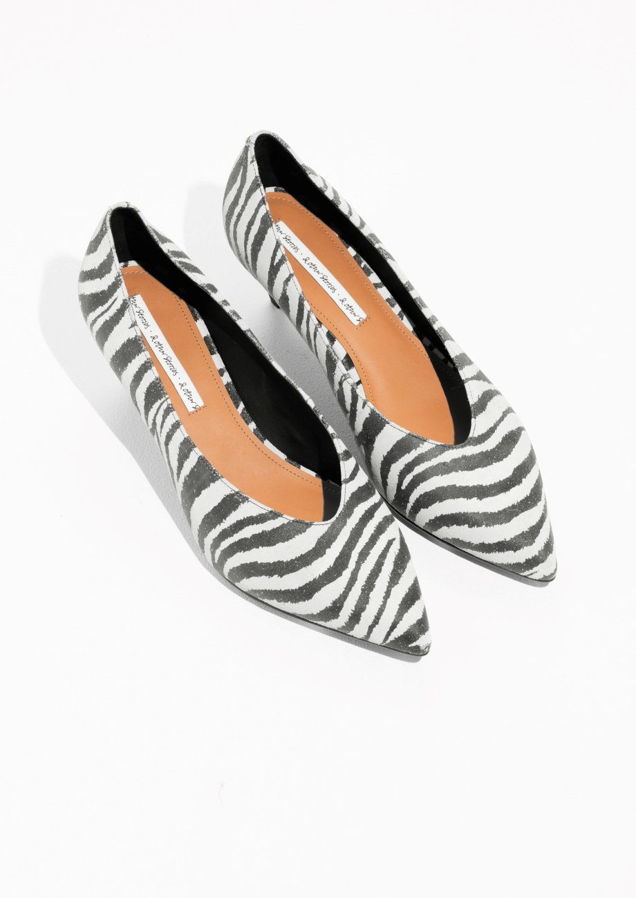 Zebra Pumps €89