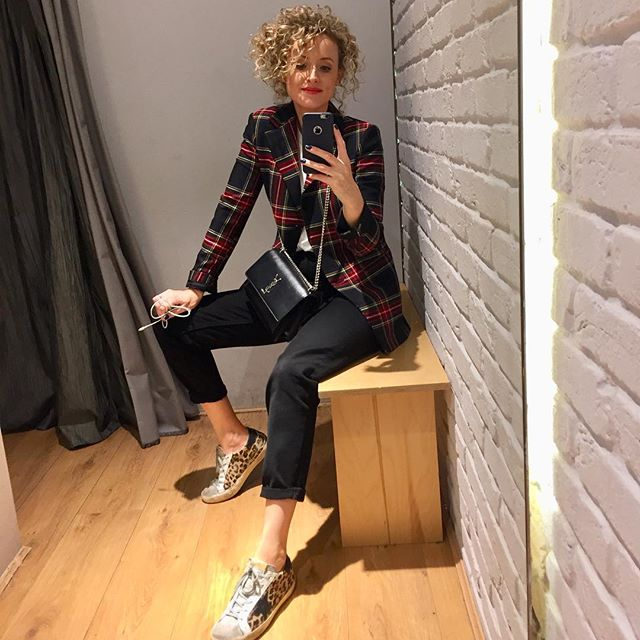 When I'm shopping for clients I'm always looking for versatile pieces that can be mixed and matched to create lots of different looks. Creating fashionable and functioning wardrobes that guarantees at least #30wears is always a top priority for me! #30wearschallenge #stylist #irishstylist #momstyle