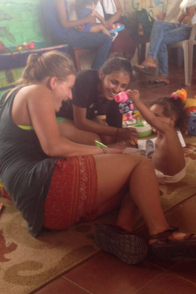 SIHF Nicaragua  Fellows Saloni and Jordan perform a developmental exam for a pediatric patient at Project Limón.