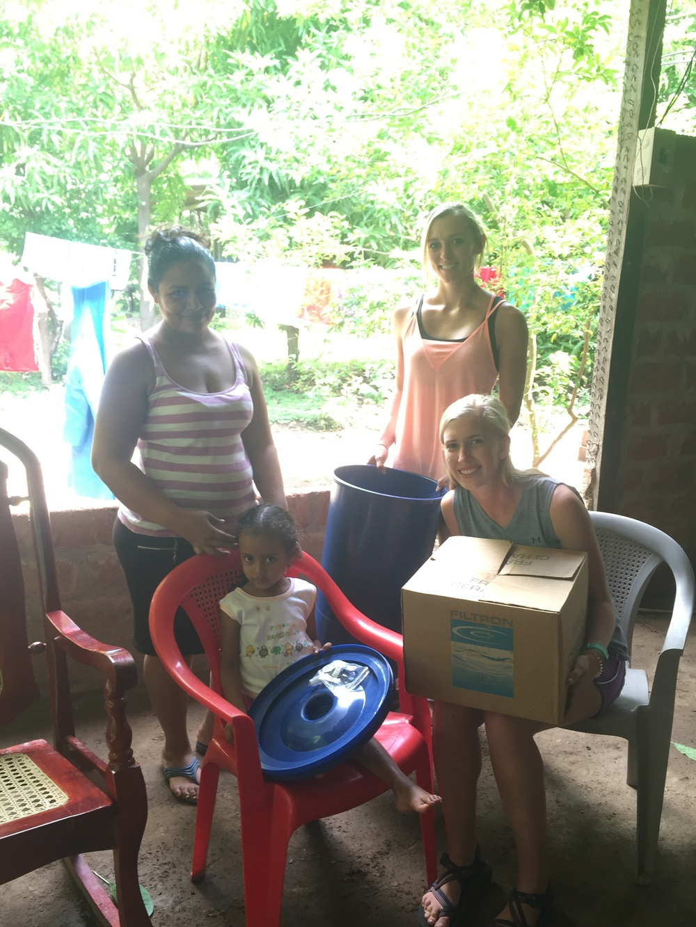 SIHF Nicaragua  Fellows distribute water filters to families participating in the Nutrition Program.